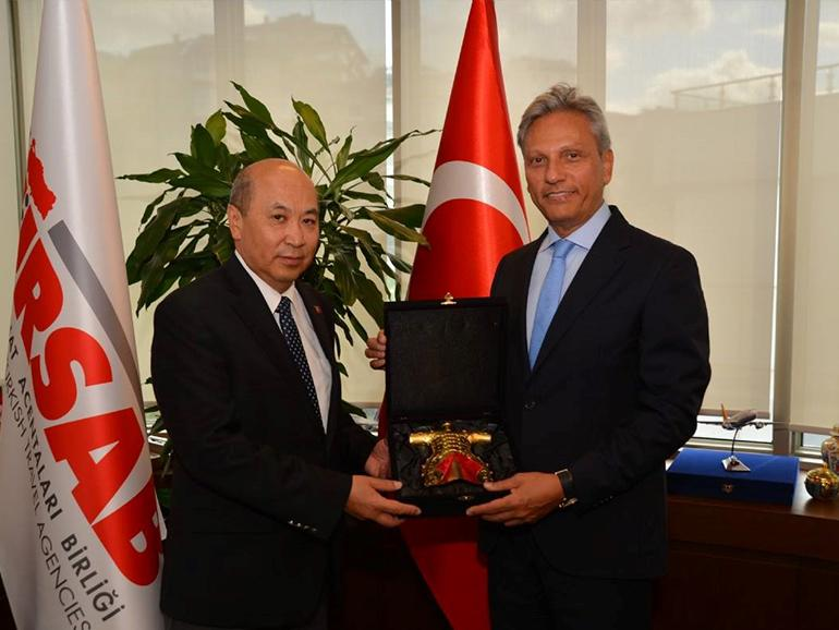 AMBASSADOR MEETS WITH TÜRSAB