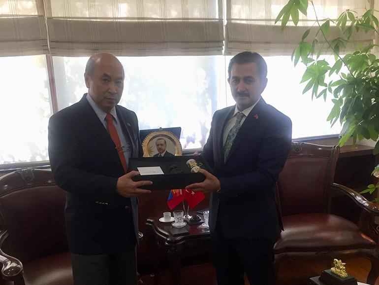 AMBASSADOR MEETS WITH DEPUTY MINISTER OF AGRICULTURE AND FORESTRY OF TURKEY