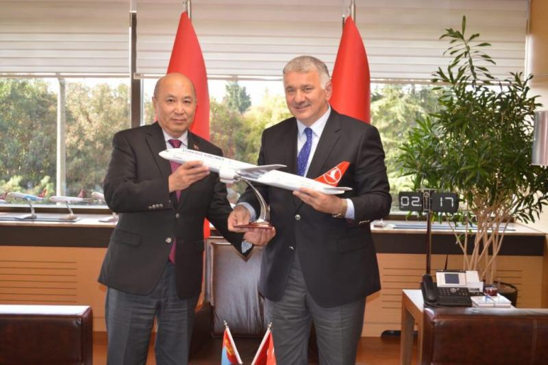 Ambassador of Mongolia met with CEO of the Turkish Airlines