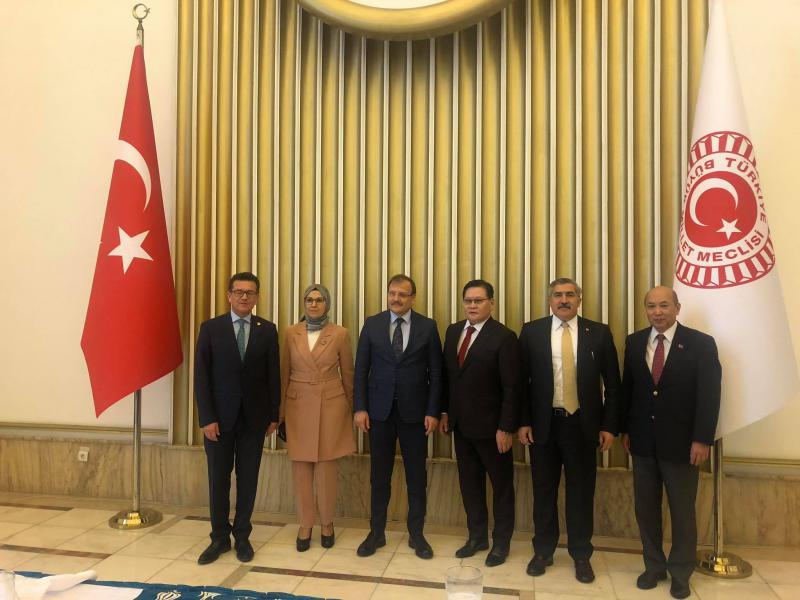 DEPUTY PRIME MINISTER MET WITH CHAIRMAN OF THE HUMAN RIGHTS COMMISSION OF TURKISH PARLIAMENT